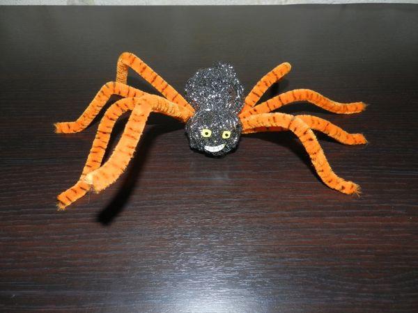 Activité Halloween, la fabrication des araignées ! super facile à faire