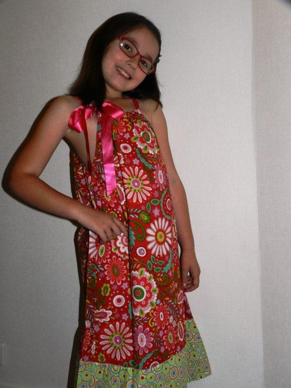 La fée farfelue: une couturière de talent, des robes pour petites filles magnifiques !