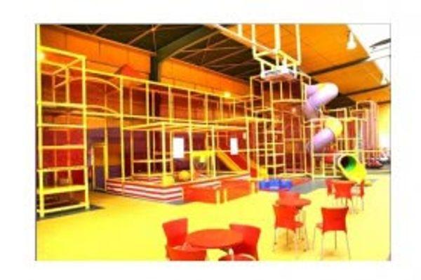 Fun academy à Vitry sur seine  aire de jeux intérieur