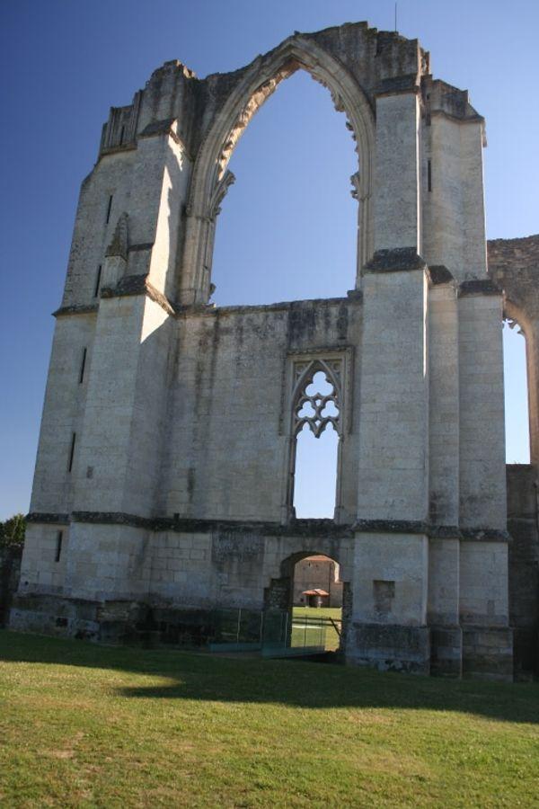 Découvrez l'Abbaye de Maillezais + concours 1 entrée