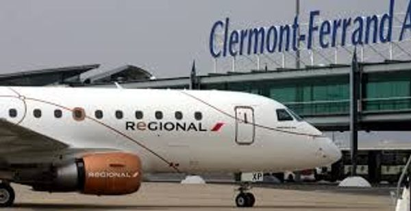 ** Salon des voyages à l'aéroport de Clermont-Ferrand **
