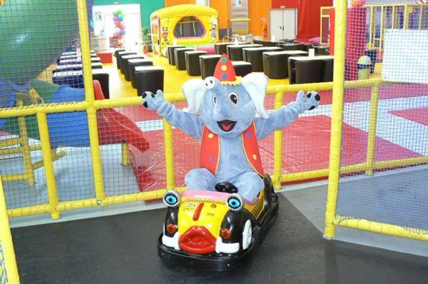 Parc de jeux couvert Badaboum'Circus - Angers -