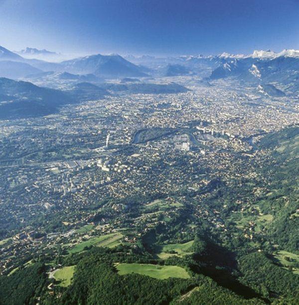 Idée 1 :  Pourquoi pas l'Isère pour vos vacances ?