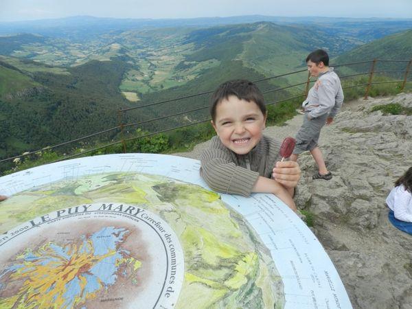 En haut du Puy Mary ! Paysages du Cantal
