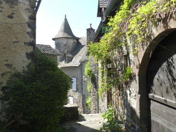 Première visite dans le Cantal: Salers, un beau village à découvrir !