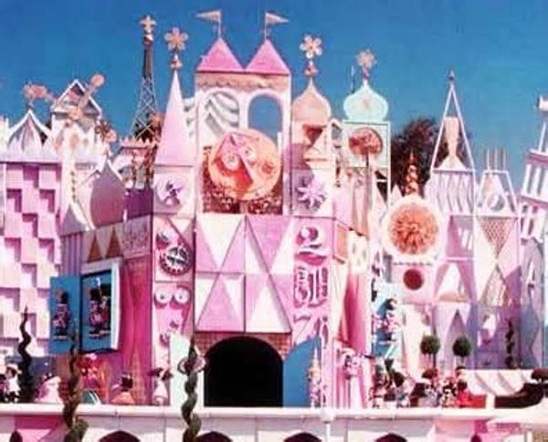 50 ans Pour Small World