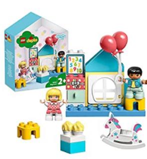 La salle de jeux, Boîte de maison de poupées