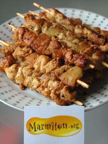 Brochette de poulet à l'ananas