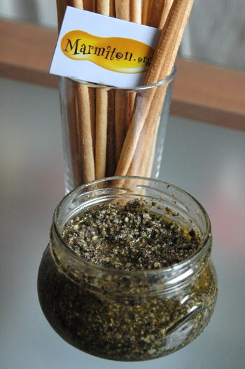 Pesto olive, pignon, basilic