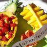 Fraises en coque d'ananas