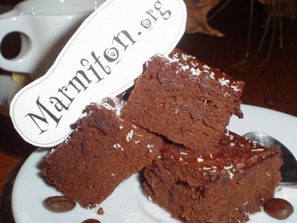 Gâteau ultra-moelleux au chocolat sans beurre : Recette de ...