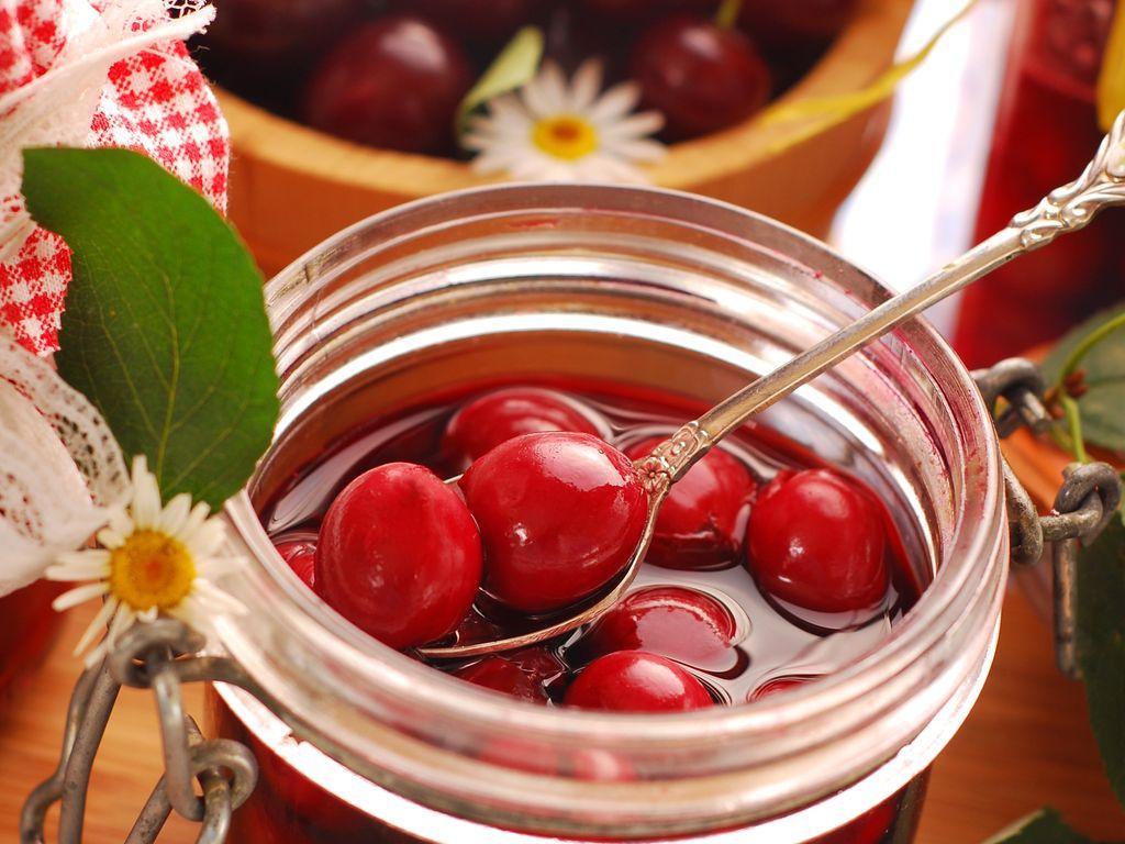 Bocaux de cerises au sirop : Recette de Bocaux de cerises au sirop - Marmiton
