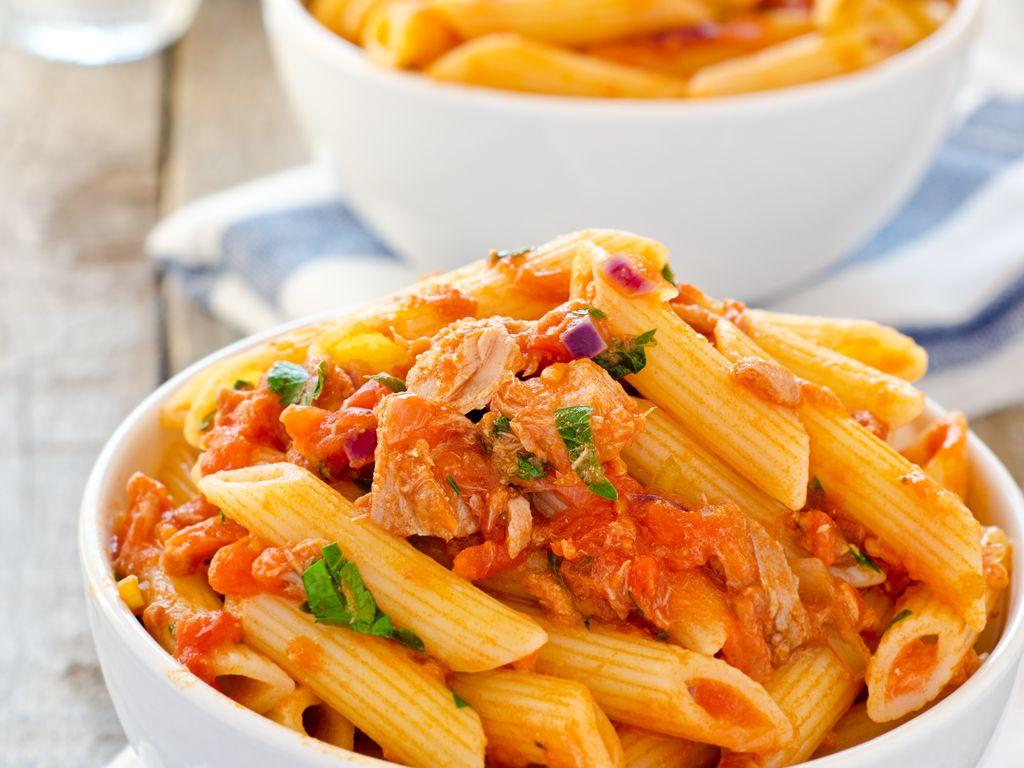 Image De Plat De Cuisine pâtes au thon et à la tomate