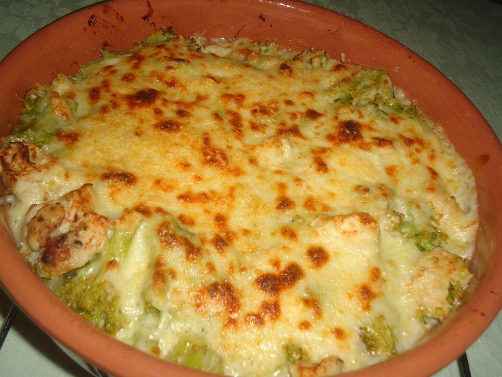 Gratin de poulet au brocolis : Recette de Gratin de poulet ...