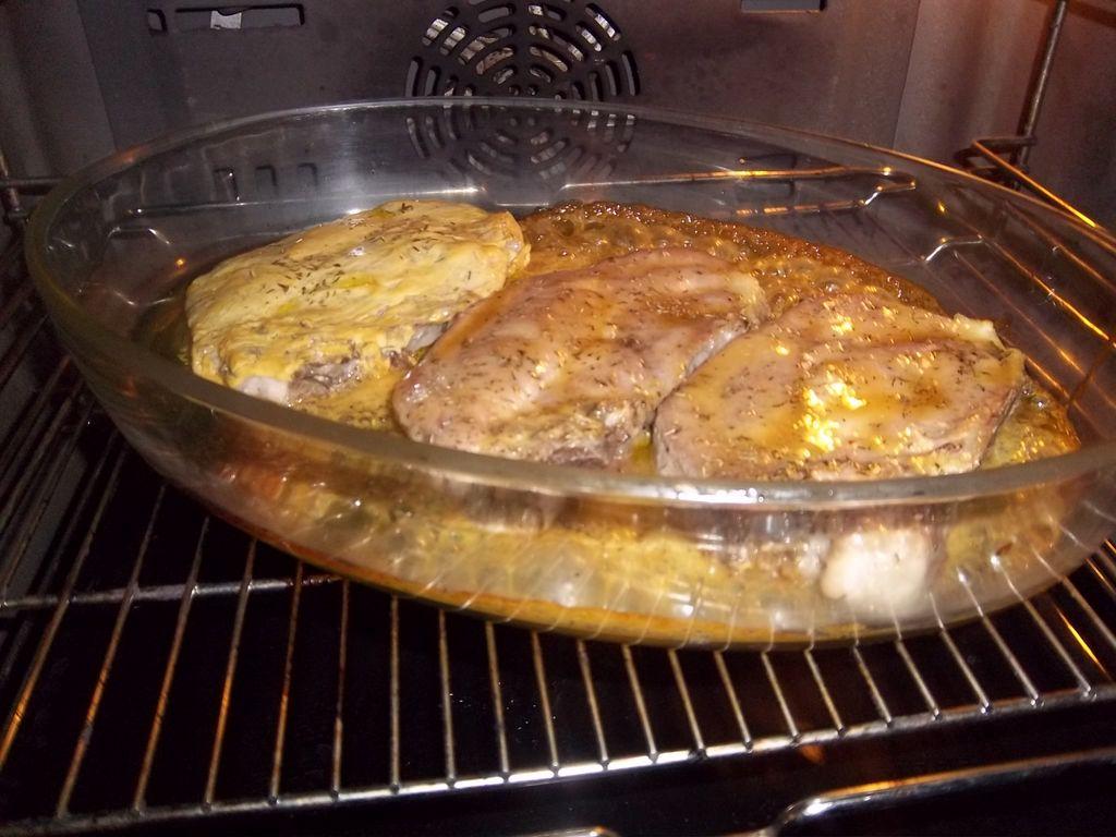 C tes de porc au four recette de c tes de porc au four - Cuisiner des cotes de porc ...
