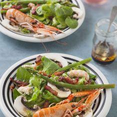 Salade de printemps avec des langoustines.