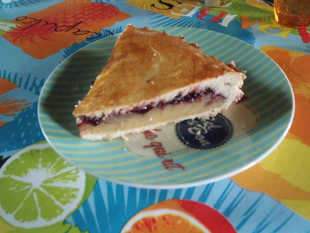 Gâteau basque à la cerise noire : Recette de Gâteau basque ...
