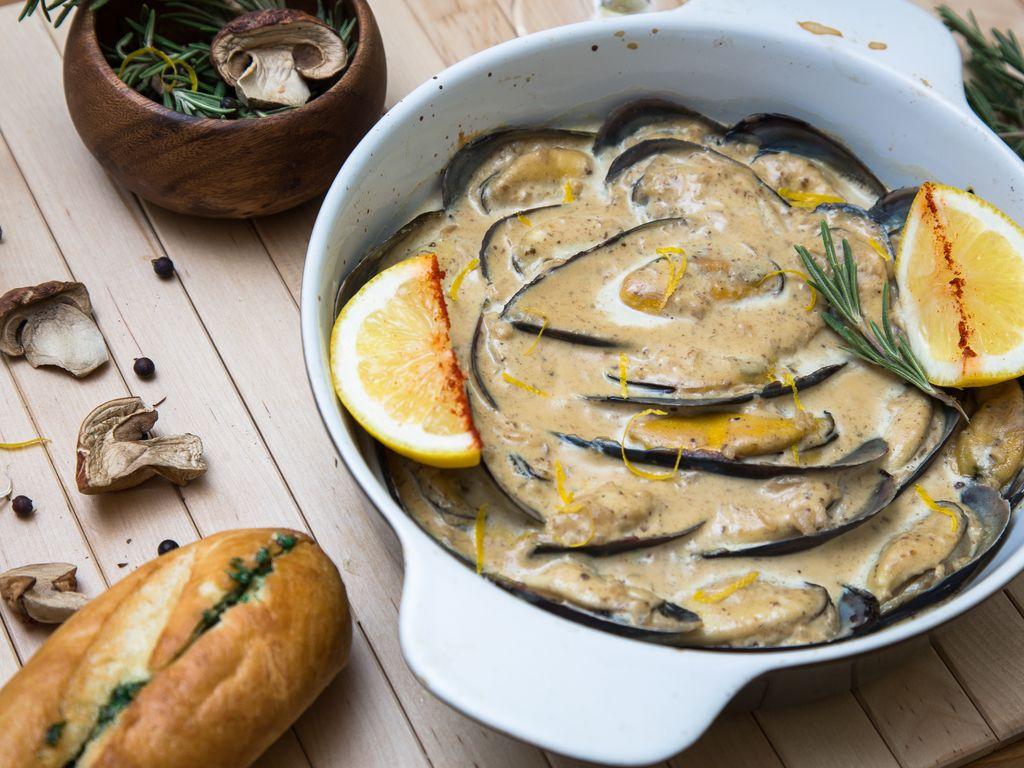Moules aux champignons frais : Recette de Moules aux ...