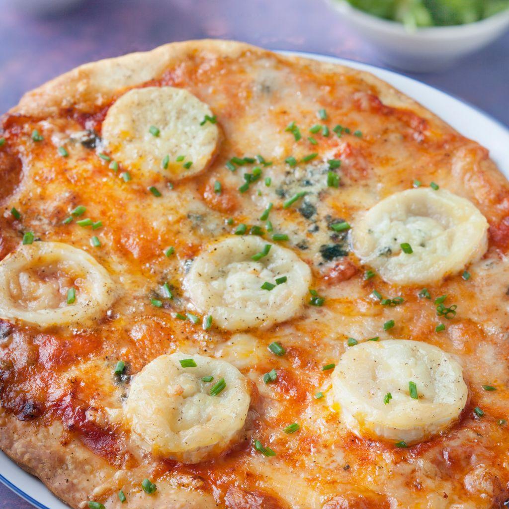 Pizza Aux 3 Fromages Recette De Pizza Aux 3 Fromages Marmiton