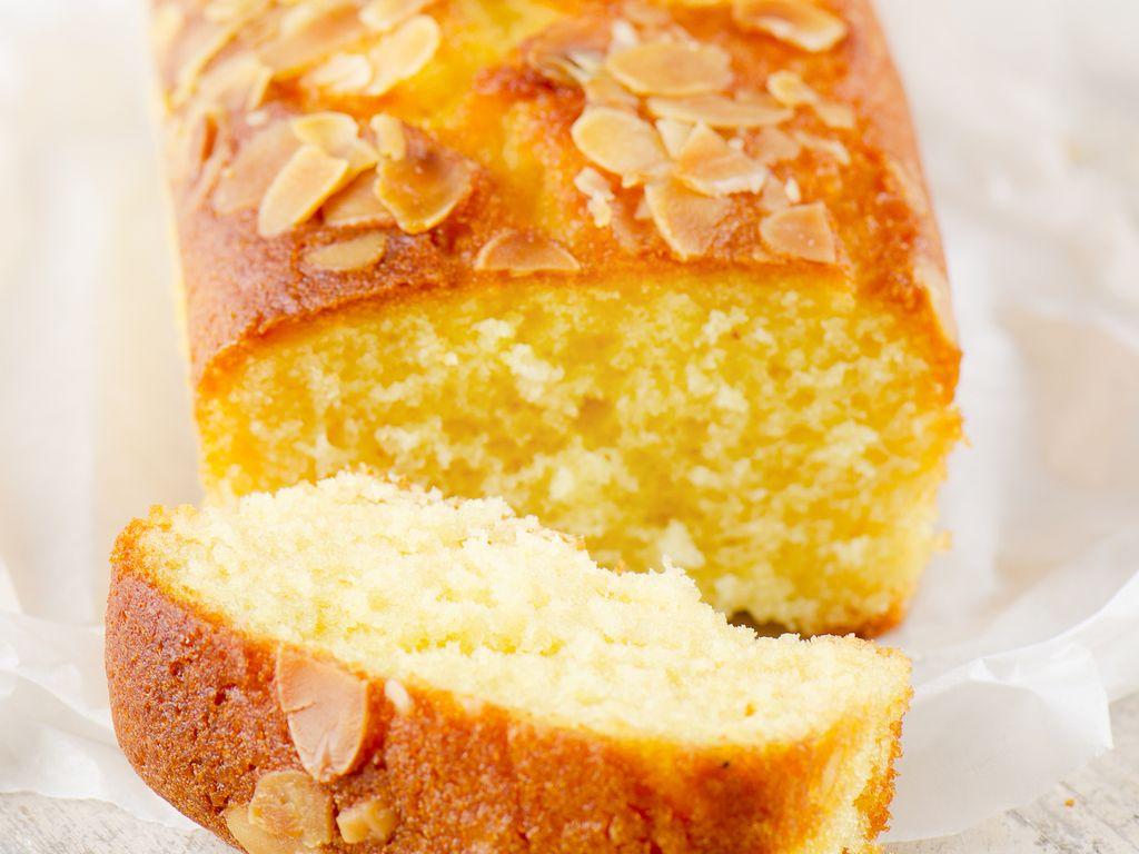 Cake au yaourt : Recette de Cake au yaourt - Marmiton