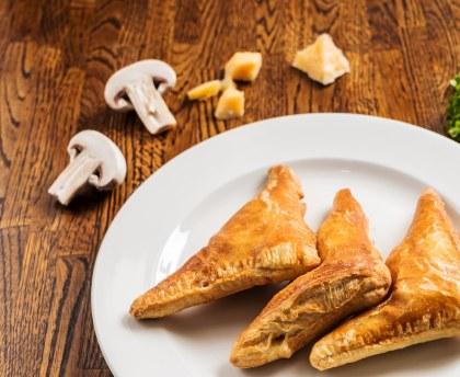 feuilletés aux champignons de Paris : Recette de feuilletés aux champignons de Paris - Marmiton
