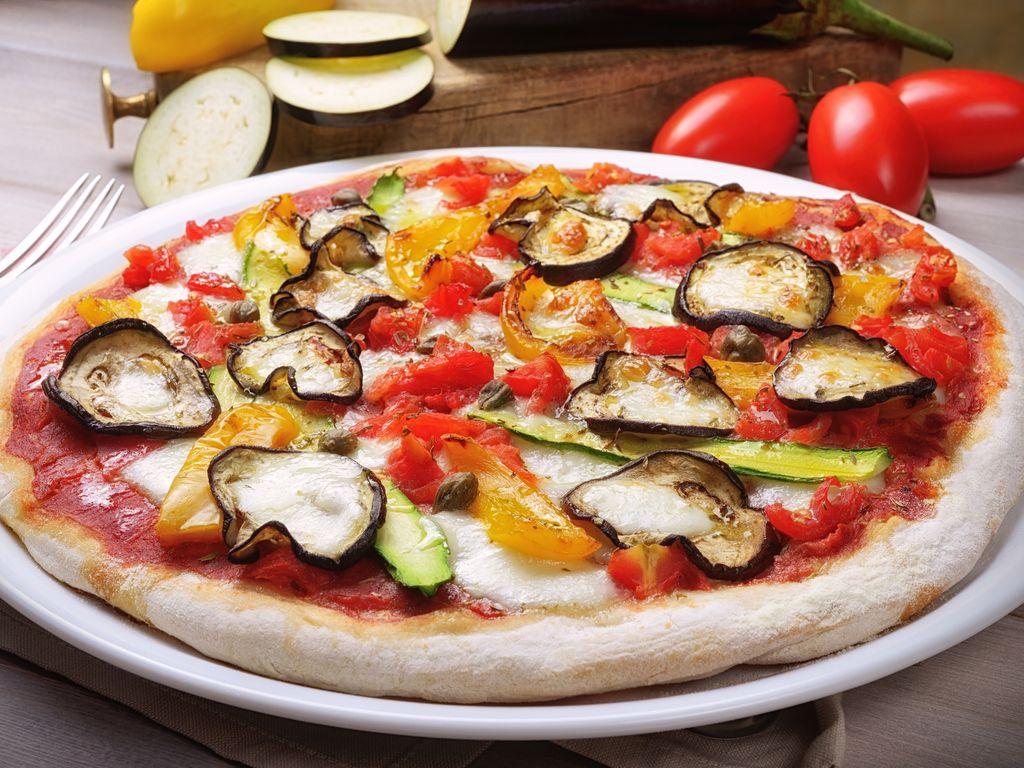 Pizza végétarienne : Recette de Pizza végétarienne - Marmiton