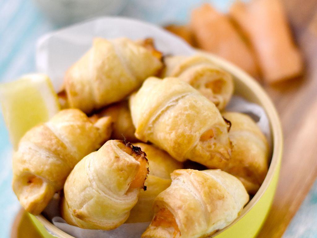 Petits Croissants Au Saumon Fumé Toast Apéritif Recette De