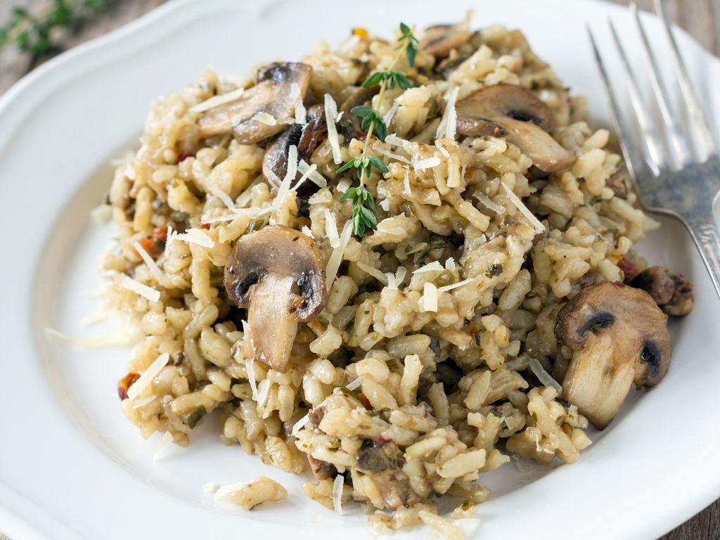 Risotto aux champignons facile : Recette de Risotto aux champignons facile - Marmiton