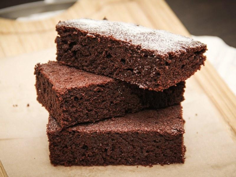 Moelleux au chocolat sans beurre sans sucre : Recette de Moelleux ...