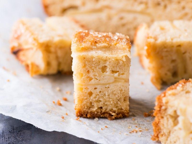 Gâteau poire,pomme  Recette de Gâteau poire,pomme , Marmiton
