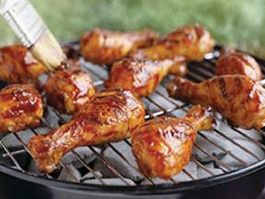 Cuisses et ailes de poulet au barbecue  Recette de Cuisses et ailes de  poulet au barbecue , Marmiton