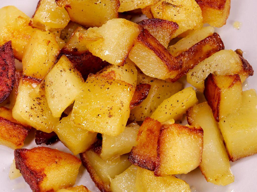 Pommes de terres sautées : Recette de Pommes de terres sautées - Marmiton