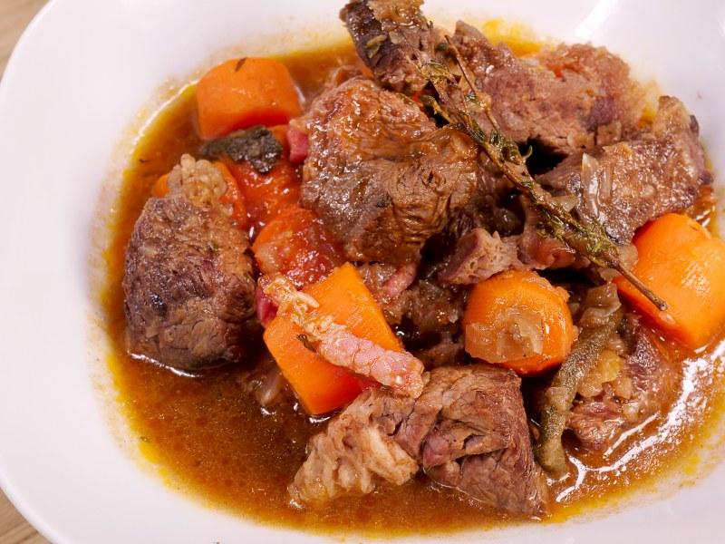 Boeuf braisé aux carottes  Recette de Boeuf braisé aux