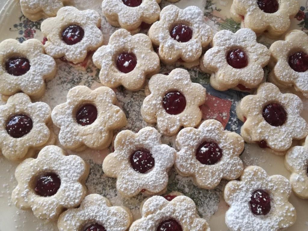 Hilda  petits gâteaux de noël alsaciens fourrés framboise (Hildabredle)
