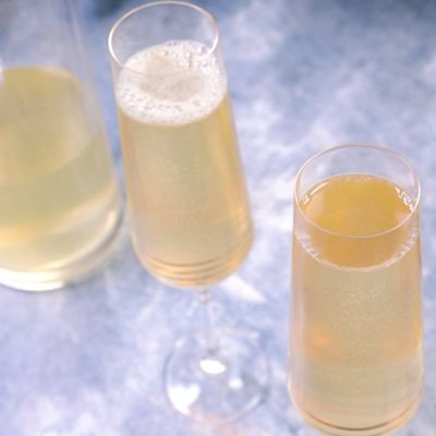 soupe champagne recette de soupe champagne marmiton. Black Bedroom Furniture Sets. Home Design Ideas