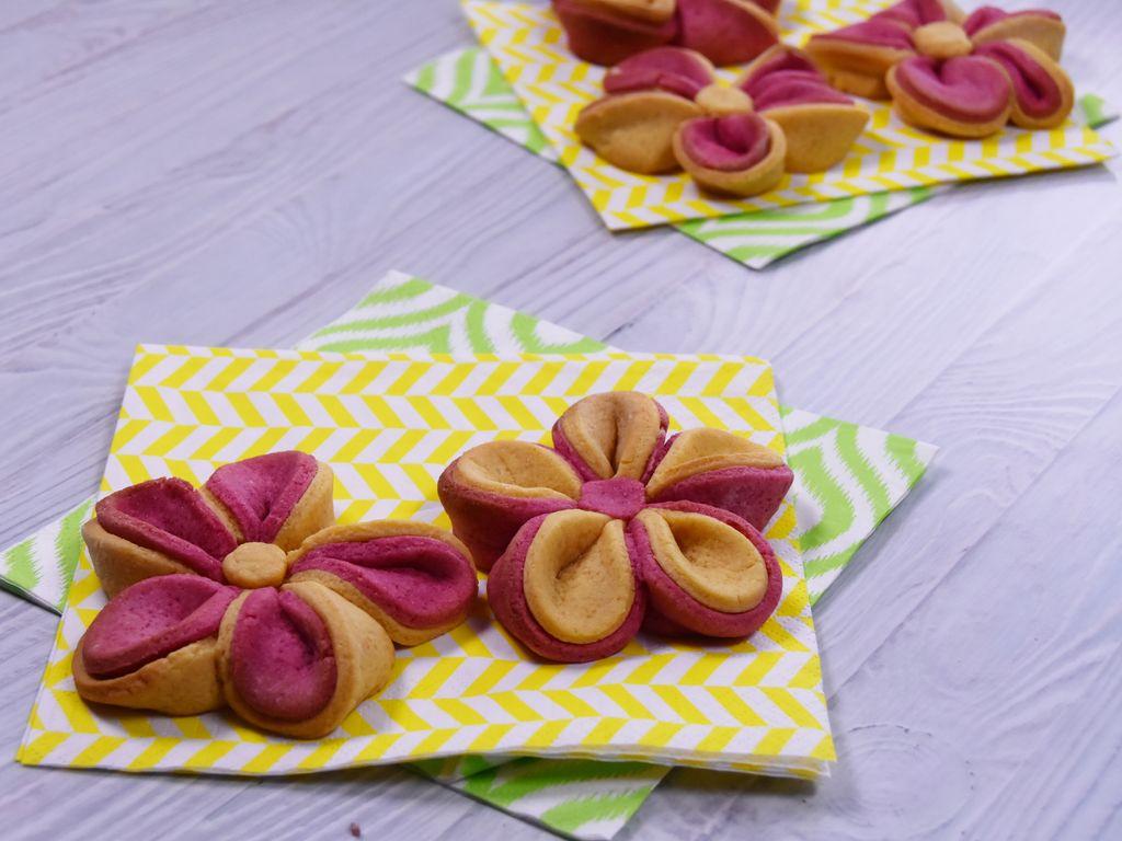 Biscuits fleur rose et jaune