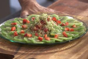 Carpaccio de kiwi de l'Adour-fraises