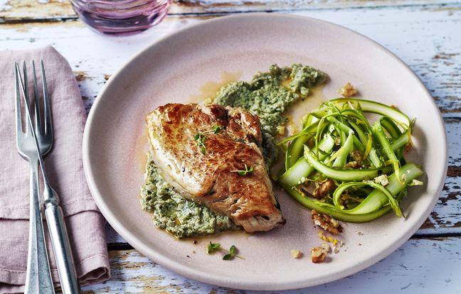 Pavé de veau rôti, anchoïade et asperges vertes en salade