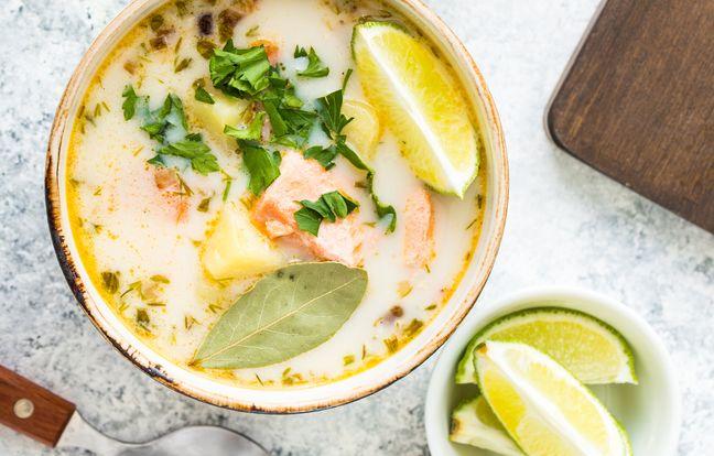 Nage de saumon à la crème de coco, vanille, coriandre et citronnelle