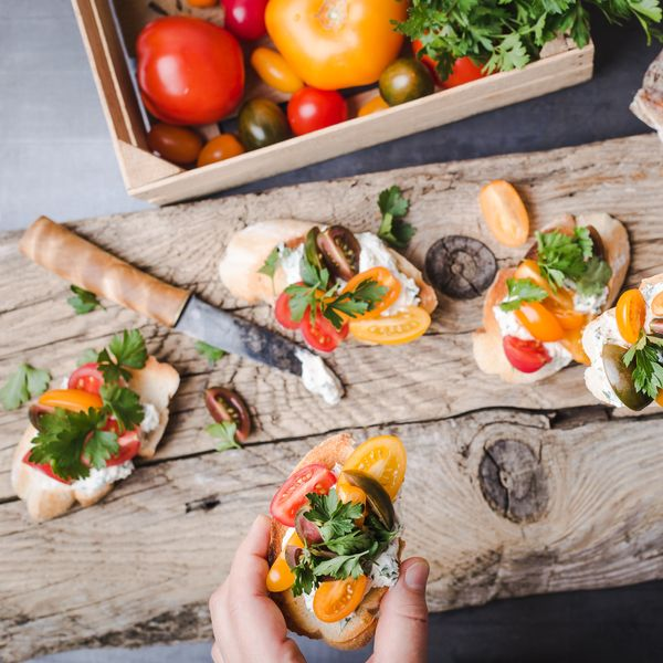 Bruschetta St Morêt saumon et tomates cerise