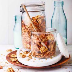 Granola aux noix, noisettes et chocolat