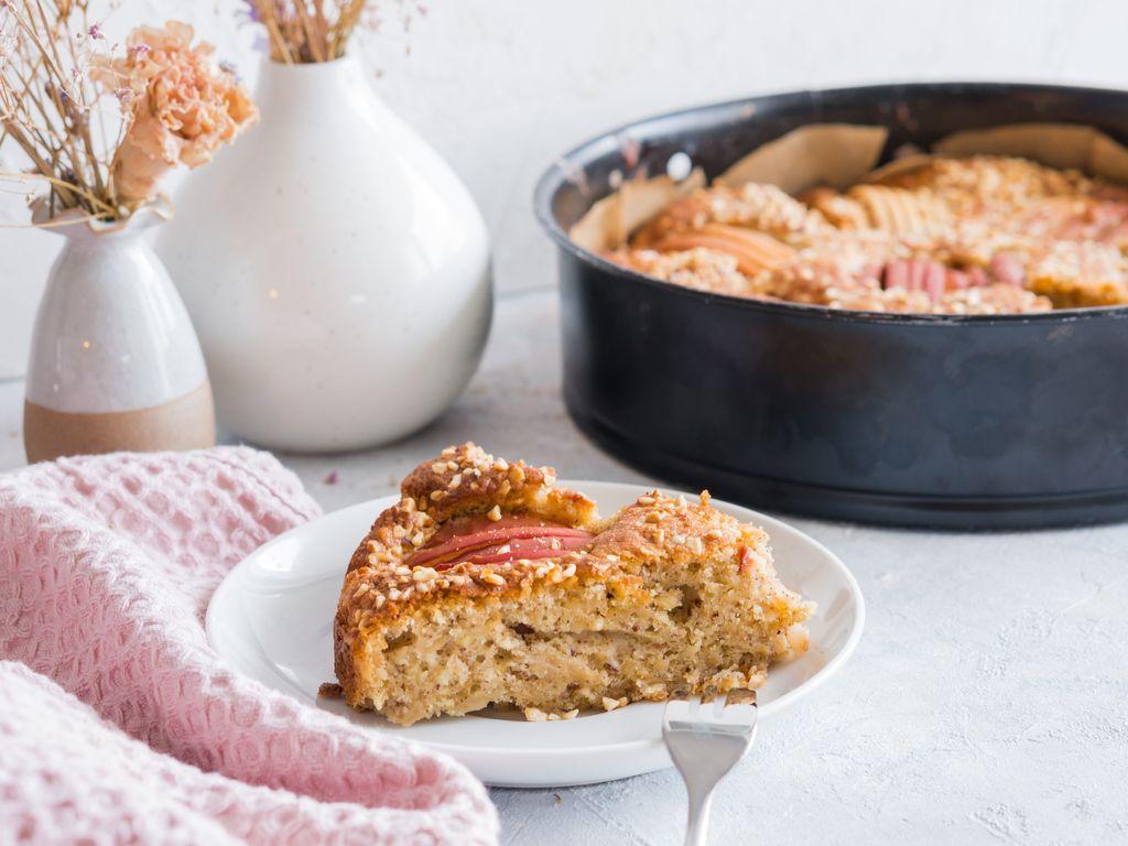 Gâteau ultra-moelleux pommes, noisettes et cannelle