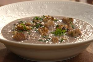 Soupe de champignons aux noix de Grenoble par Laurent Mariotte