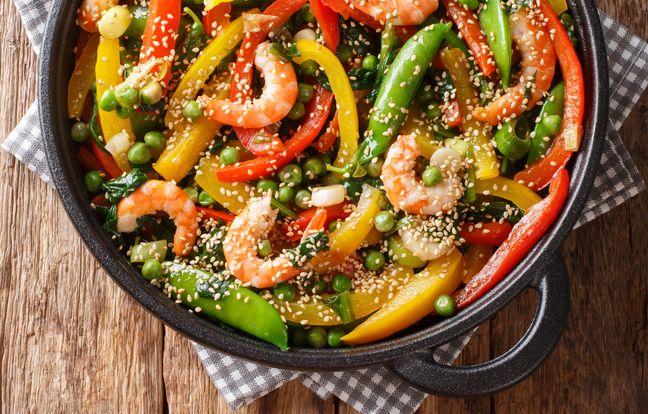 Wok de crevettes et légumes croquants