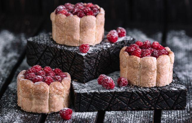 Gâteau mousse de mascarpone, framboises et biscuits roses de Reims