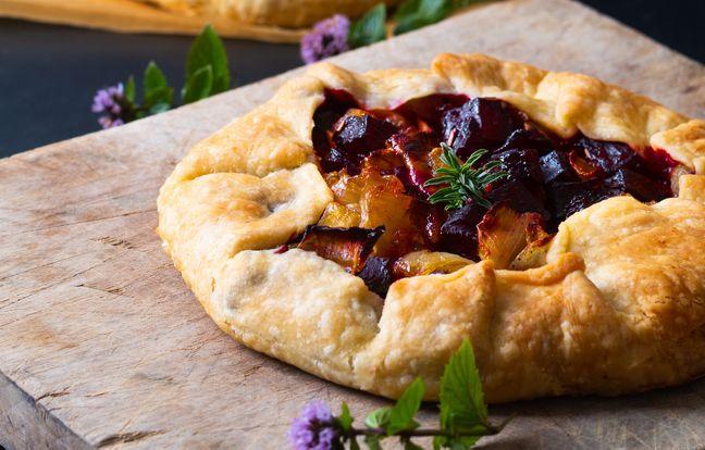 Tartelettes rustiques aux légumes rôtis et oignons caramélisés à la sauce soja