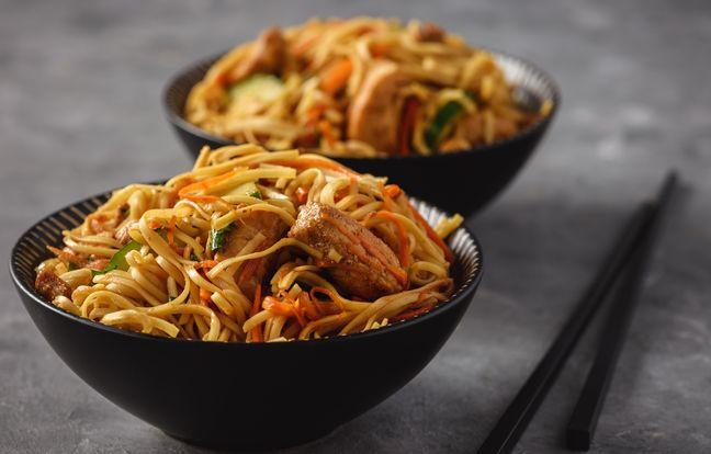 Wok de nouilles au porc sauce aigre-douce