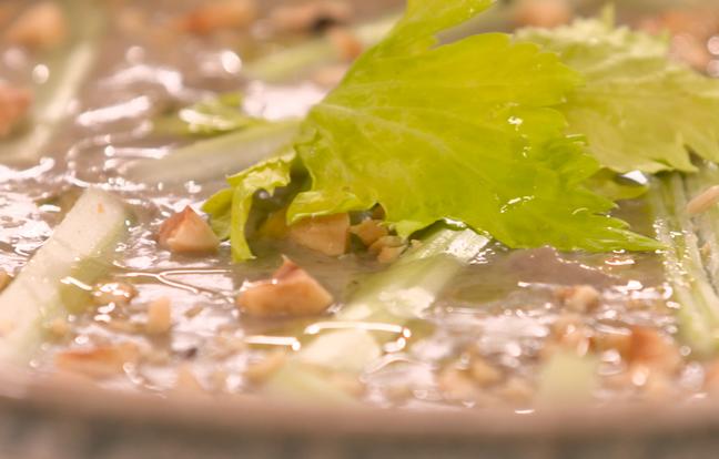Crème de lentilles, céleri et noisettes par Laurent Mariotte