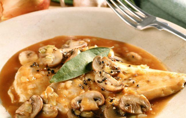 Poularde farcie sauce champignons
