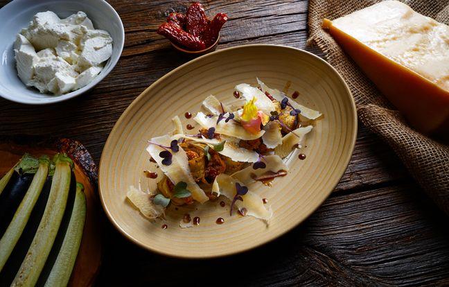 Aubergines grillées au fromage frais et tomates rôties